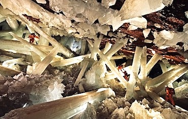 crystal-cave-Carsten20Peter202620Speleoresearch20and20films20.jpg